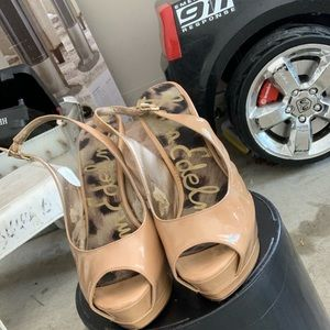 Peep toe shoes, versatile nude color